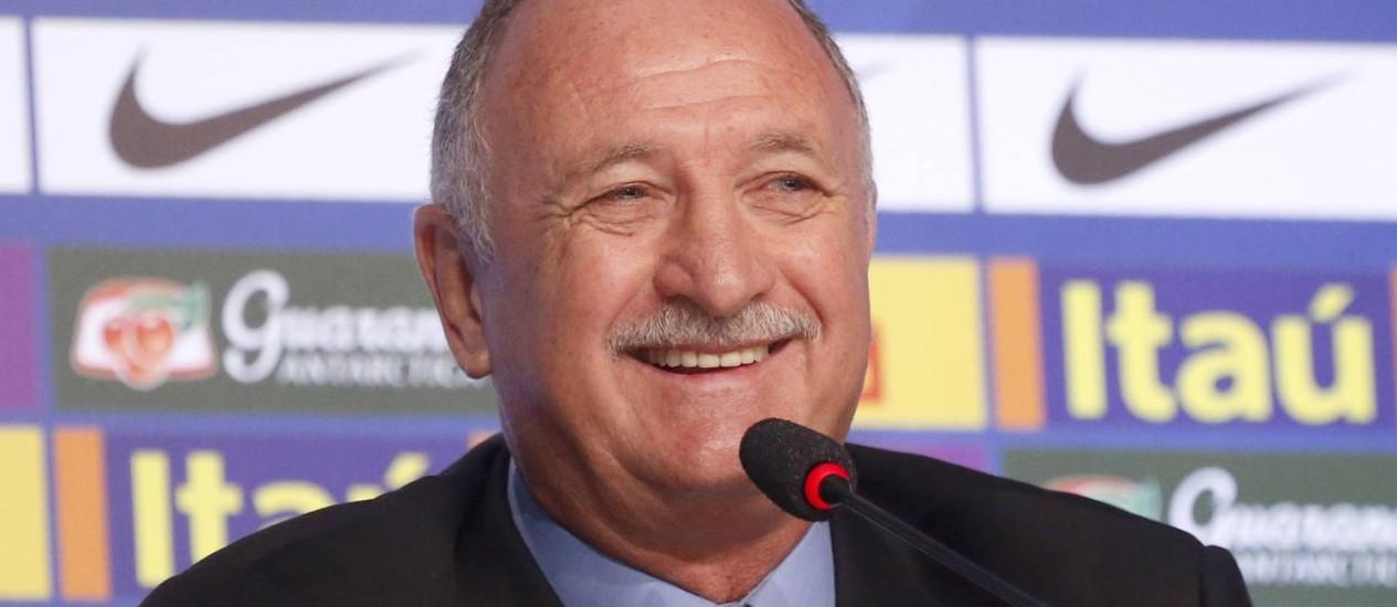 Felipão durante a convocação da seleção brasileira para a Copa de 2014 Foto: Ivo Gonzalez / Agência O Globo