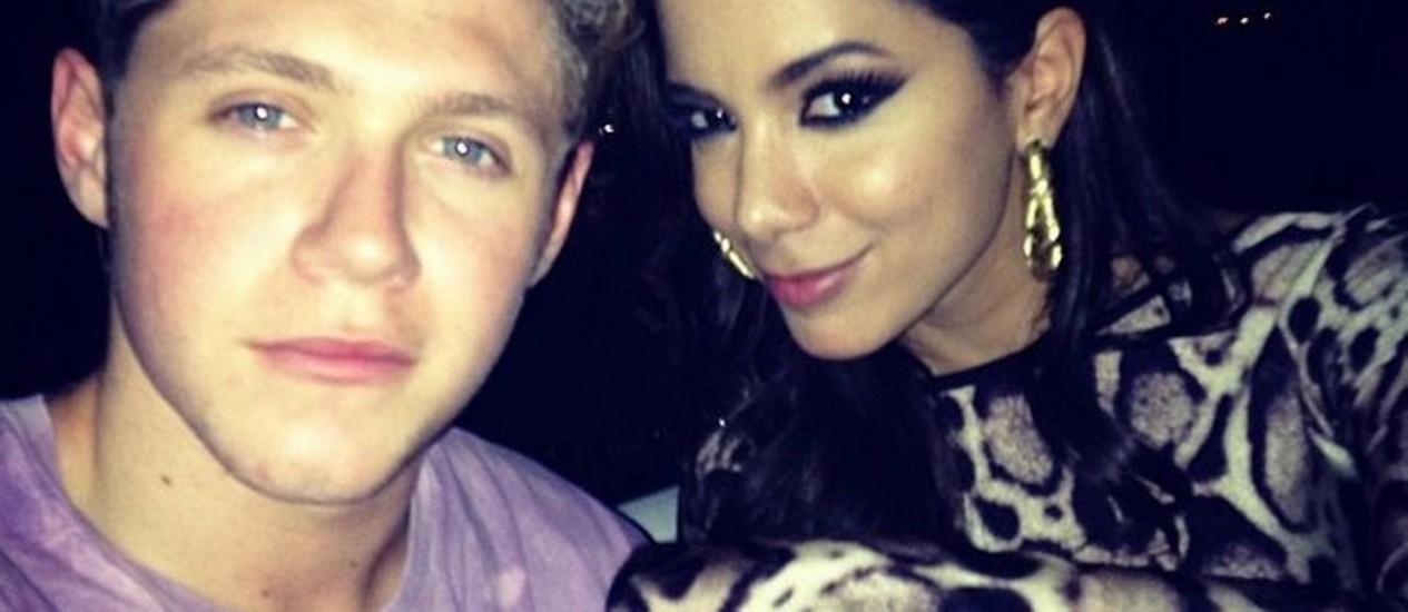 Anitta com Niall Horan, do One Direction, durante passagem da banda no Rio Foto: Reprodução