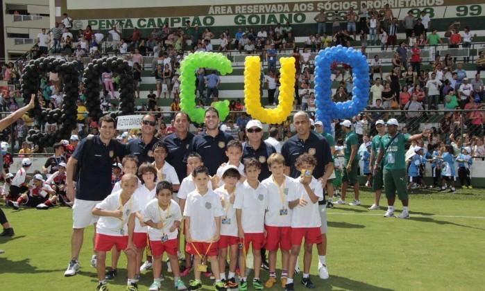 A equipe da escolinha de futebol do Barcelona, na Barra, disputou a Go Cup, em Goiânia Foto: Divulgação / /Rodrigo Ahmed