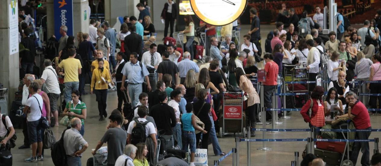 Demanda de passageiros por voos domésticos teve salto de 8,9% na comparação com o primeiro trimestre do ano passado Foto: Marcos Alves / Agência O Globo