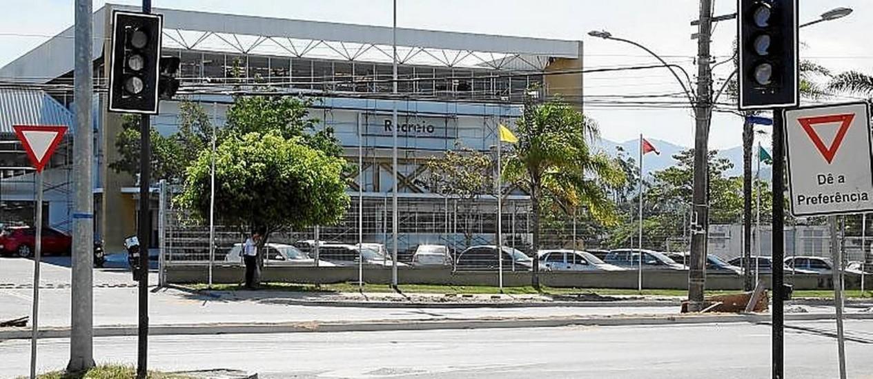Sinais foram instalados no desvio, mas ainda não operam Foto: Marcos Tristão / marcos tristão