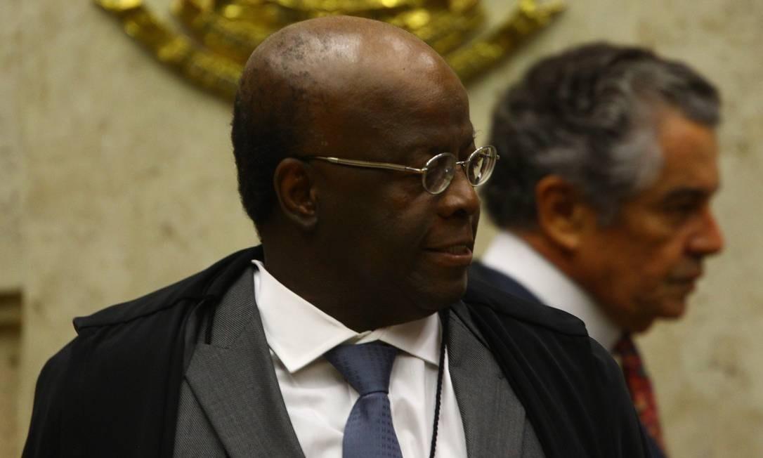 Joaquim Barbosa faz referência a jurisprudência criada em 1999 Foto: André Coelho / Agência O Globo