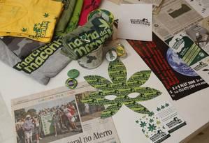Camisetas, recortes de jornal e máscaras serão exibidas na exposição Foto: Camilla Maia