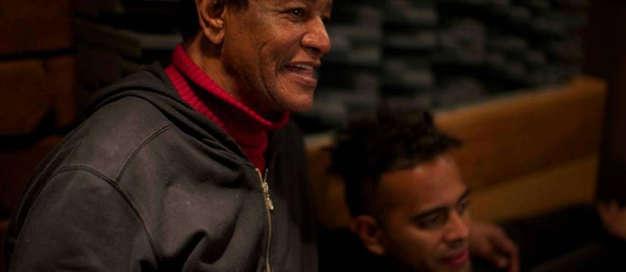 Jair Rodrigues com o filho, Jair Oliveira Foto: Reprodução