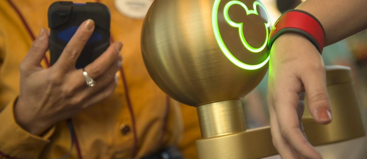 A My Magic Band, a pulseira tecnológica dos parques da Disney em Orlando Foto: Divulgação / Kent Phillips