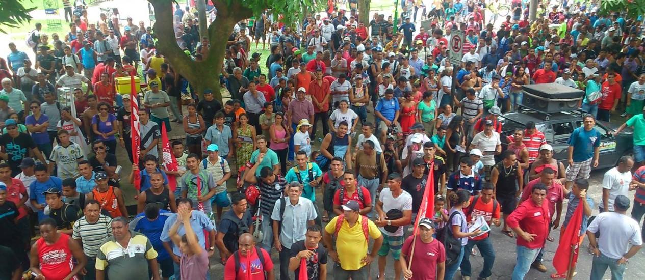 Operários da construção civil fazem manifestação por cesta básica no Pará Foto: Victor Furtado