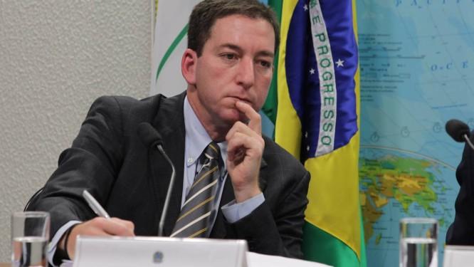 Glenn Greenwald durante depoimento na Comissão de Relações Exteriores do Senado, em Brasília: revelações agora em livro Foto: Ailton de Freitas/6-8-2013