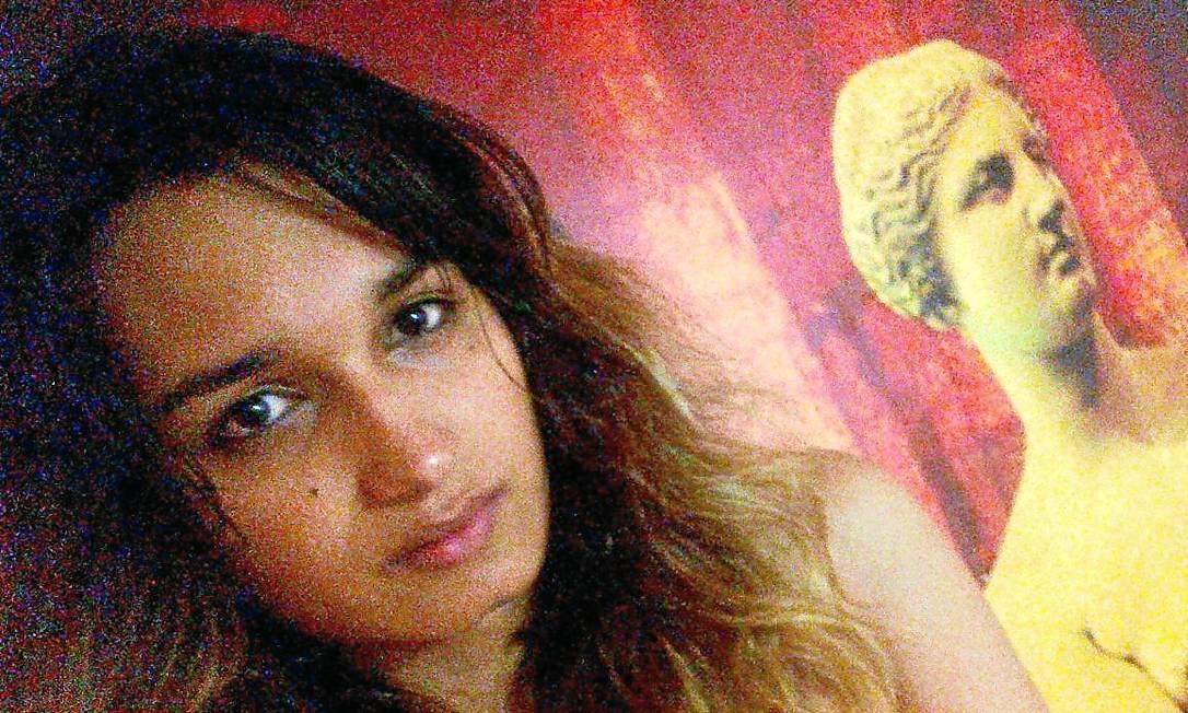 Nova chance. Beatriz Trindade, que passou por constrangimento ano passado, fará a prova de novo: 'deveria estar no edital' Foto: Arquivo Pessoal /