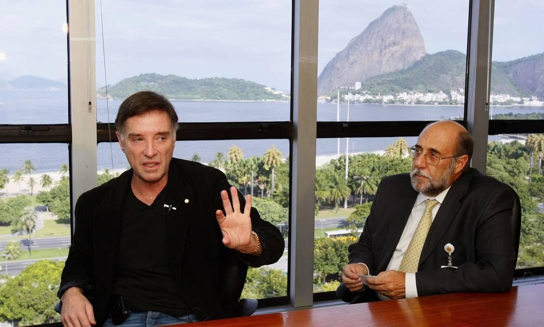 Eike Batista e o então presidente da OGX, Paulo Mendonça, em entrevista exclusiva ao GLOBO Foto: Marco Antônio Teixeira / Agência O Globo