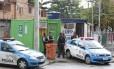 Policiais da UPP de Manguinhos: estudo mostra que segurança melhorou de 2009 para 2013