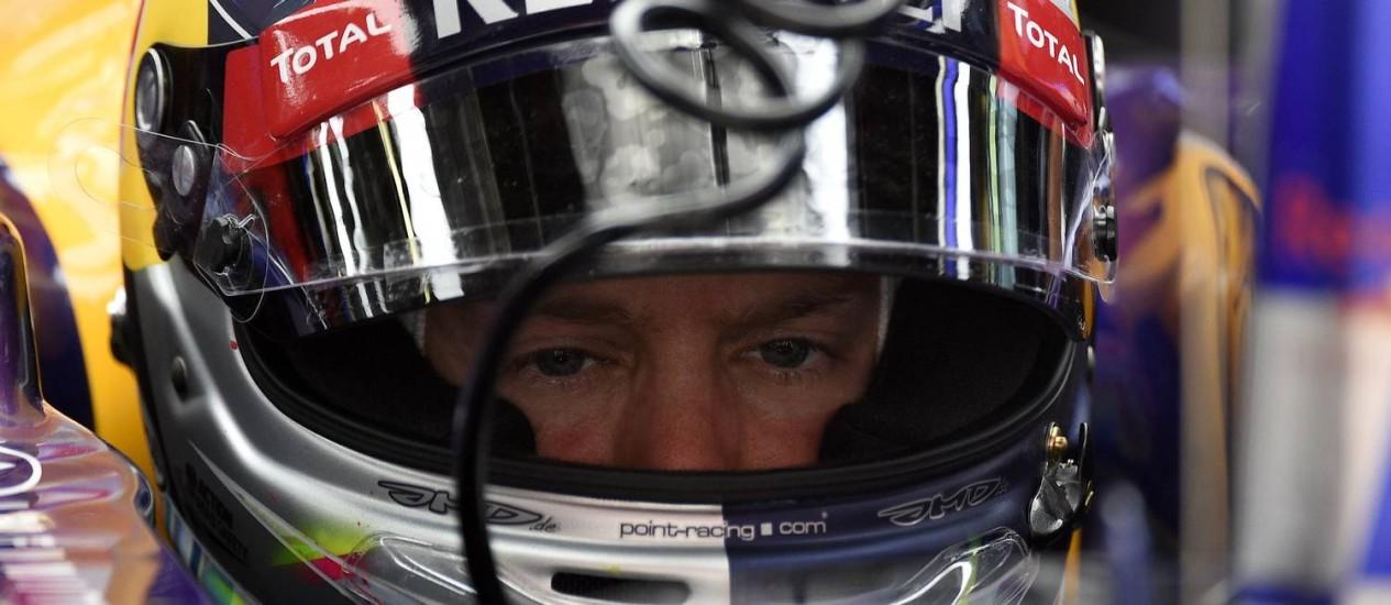 Sebastian Vettel, que teve problemas com seu carro no treino classificatório deste sábado, em Montmeló. Lluis Gene/ AFP