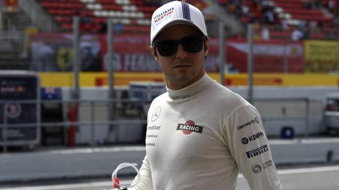 Felipe Massa durante os treinos de hoje na Catalunha Foto: LLUIS GENE / AFP