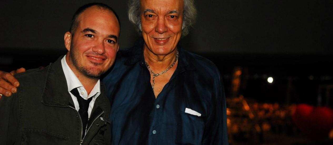 Erasmo Carlos, com o filho Alexandre Pessoal, no show do Roberto Carlos, no Maracanã, em 2009. Foto: Márcio Souza - TV Globo - 12/07/2009