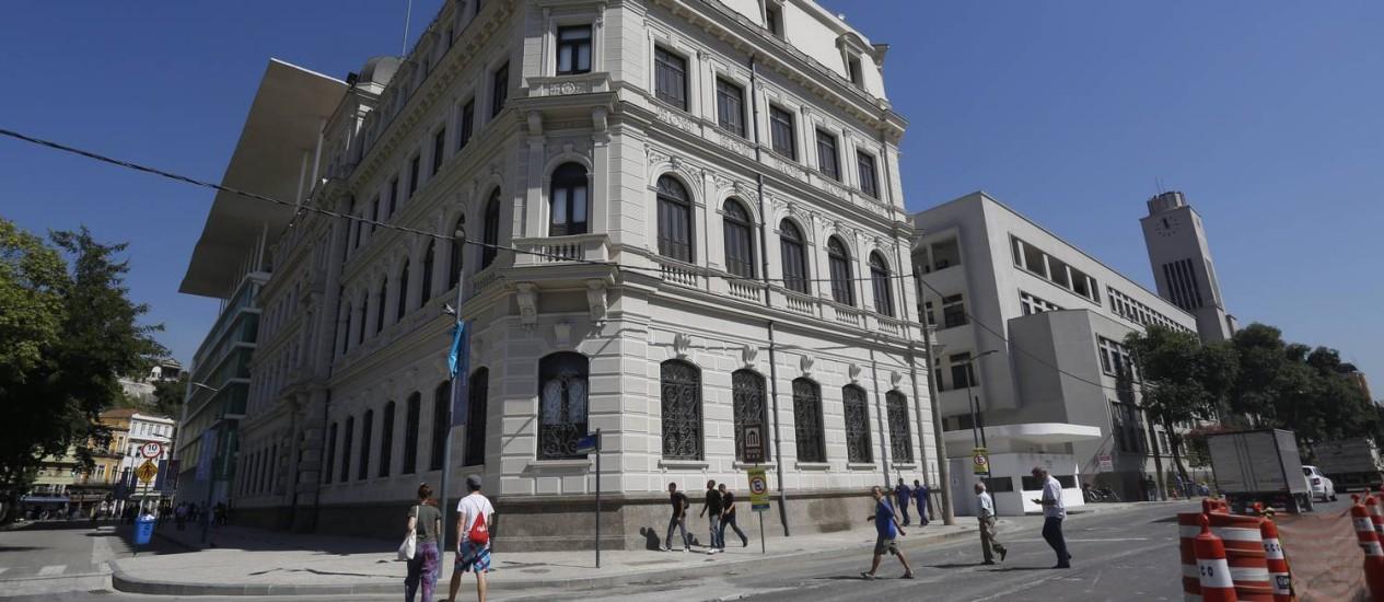 Conjunto de museu, que combina arquitetura antiga e moderna, desponta - Foto: Custódio Coimbra / Agência O Globo