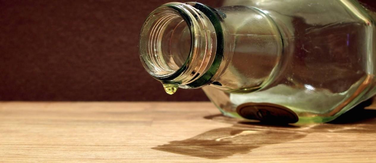 Segundo a OMS, 16% daqueles que bebem participam de episódios de consumo pesado, que são o mais danosos à saúde Foto: StockPhoto