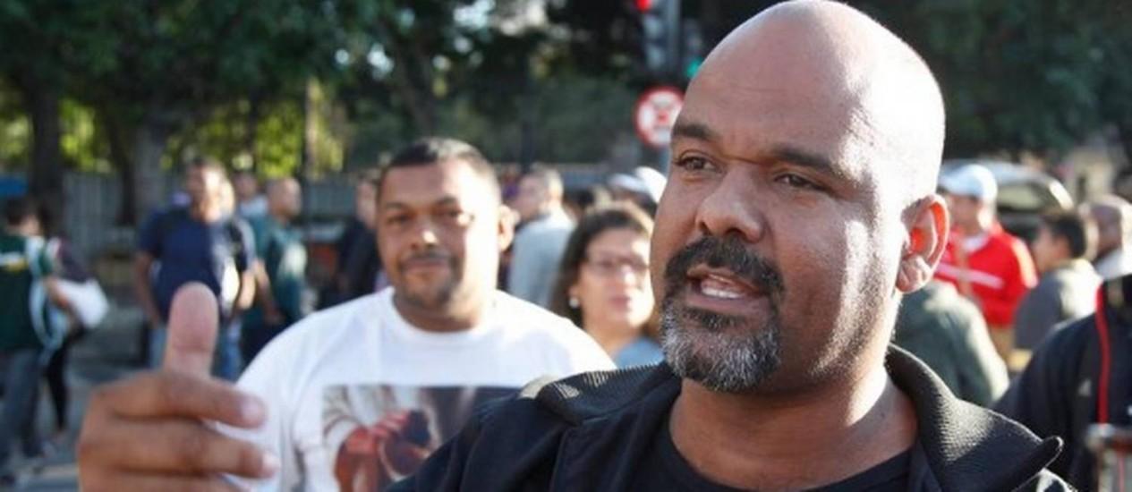 Hélio Alfredo Teodoro, conhecido como Hélio da Real, líder do movimento grevista dos rodoviários Foto: Antônio Scorza / Agência O Globo