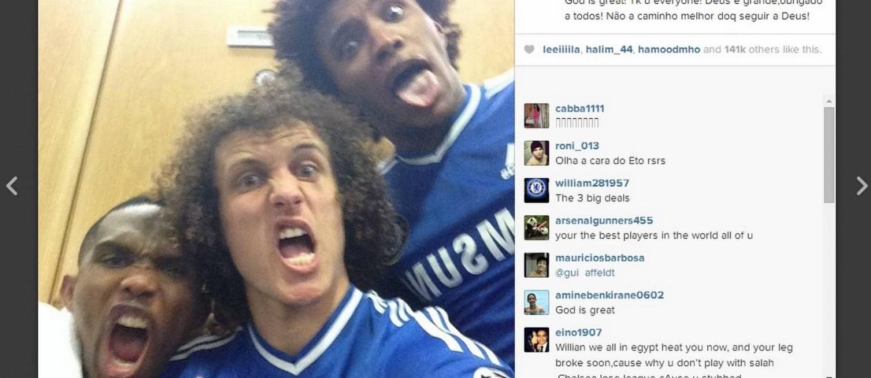 David Luiz no Instagram: 'selfie' com Eto'o e Willian, parceiros de Chelsea Foto: Reprodução do Instagram