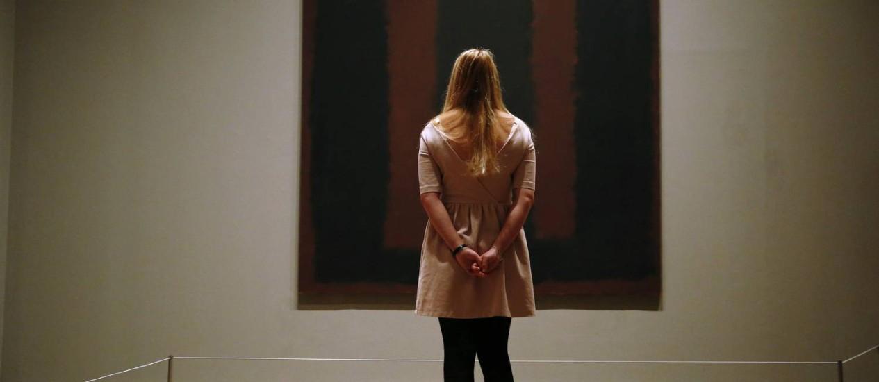 'Black on Maroon', de 1958, volta a ser exibida na Tate Modern um ano e meio depois de ser vandalizada. Processo inédito de restauração recuperou a obra Foto: Luke MacGregor / Reuters