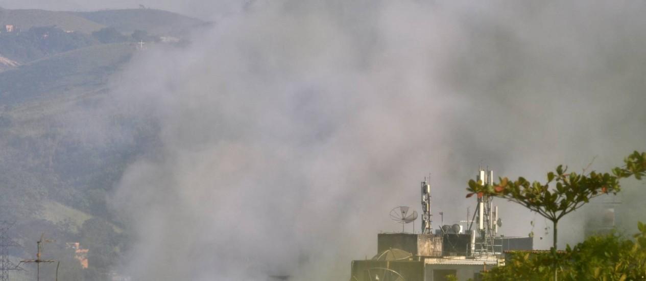 Gases poluentes lançados pela CSN Foto: Filipe Carneiro / Diário do Vale