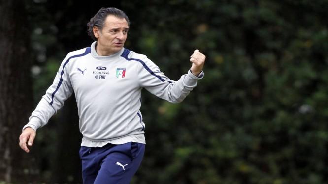 Prandelli convocou 31 jogadores, entre eles Giuseppe Rossi Foto: Fabrizio Giovannozzi / AP