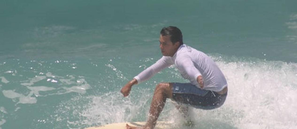 Esportista. Além de médico e seminarista, Schaffer era surfista Foto: Divulgação/Surffoto
