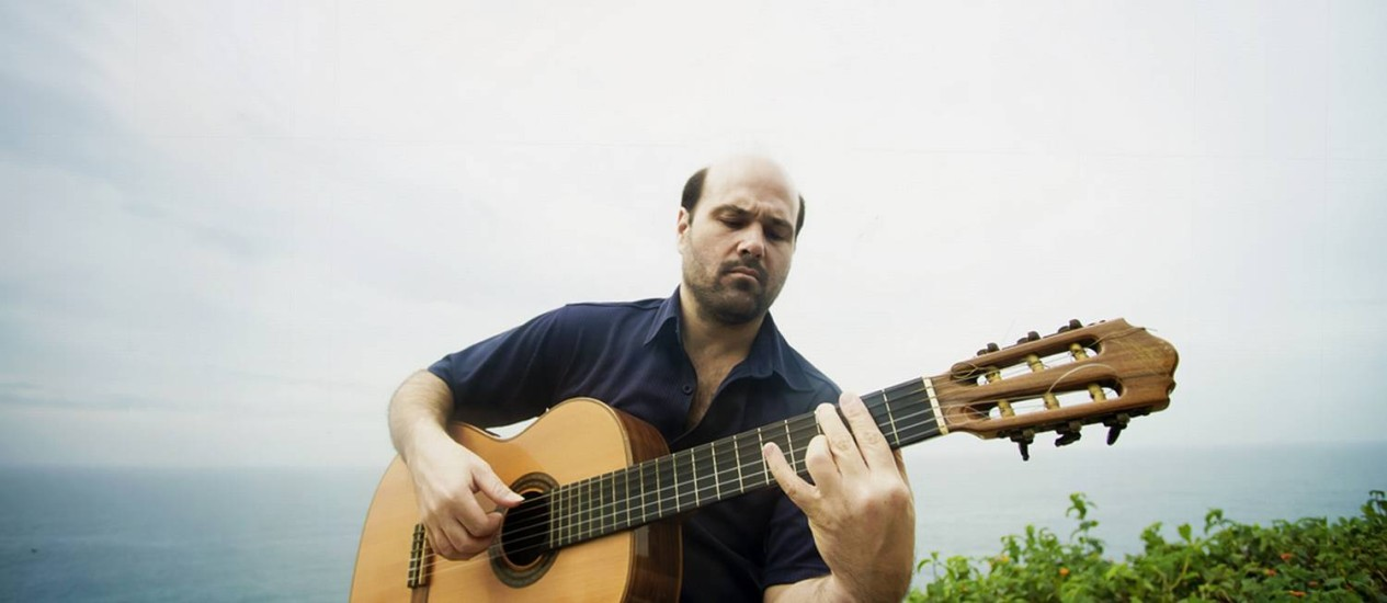 Violão. Fernando Vilela se apresenta na Tijuca Foto: Marina Fava / Divulgação/Mariana Fava