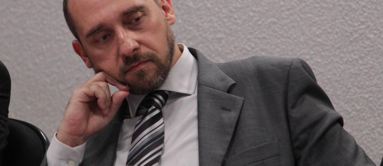 O advogado-geral da União, Luiz Inácio Adams Foto: André Coelho/5-12-2012
