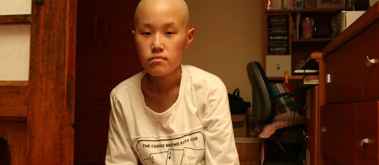 Yu-mi Hwang, que se tornou símbolo da campanha contra a Samsung após morrer com 22 anos, com leucemia Foto: Divulgação/StopSamsung