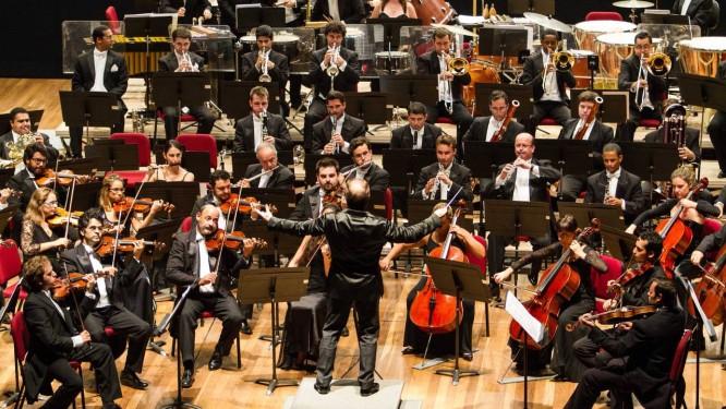 Os músicos da OSB tocaram junto com cerca de 30 'dissidentes' que voltaram agora para a orquestra Foto: Divulgação
