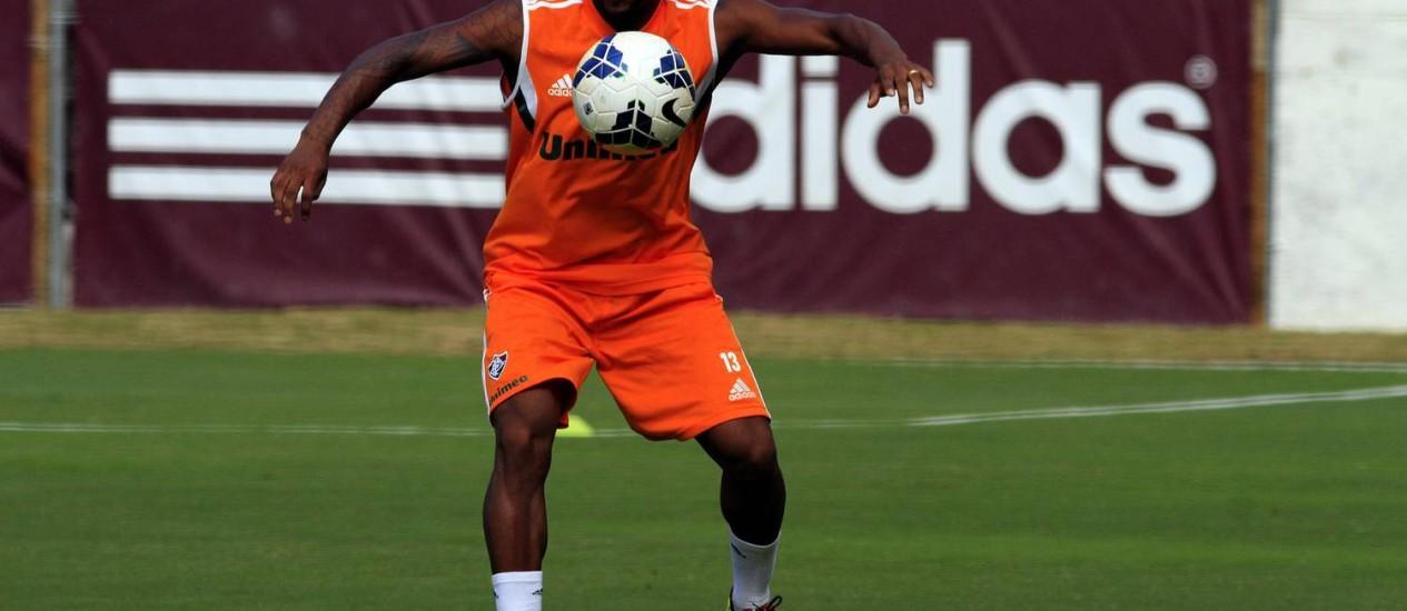Chiquinho domina a bola em treino do Flu Foto: Divulgação / Fluminense