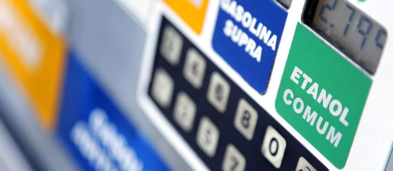 Atualmente, a mistura de etanol na gasolina está no teto de 25% estabelecido pela lei Foto: Fabio Rossi / O Globo