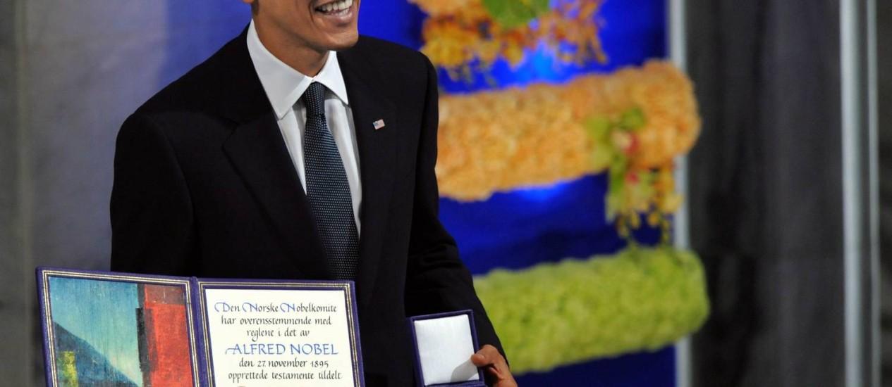 Obama recebe o Nobel da Paz: Casa Branca considerou prematuro, segundo representante na ONU Foto: Jewel SAMAD / Agência O Globo