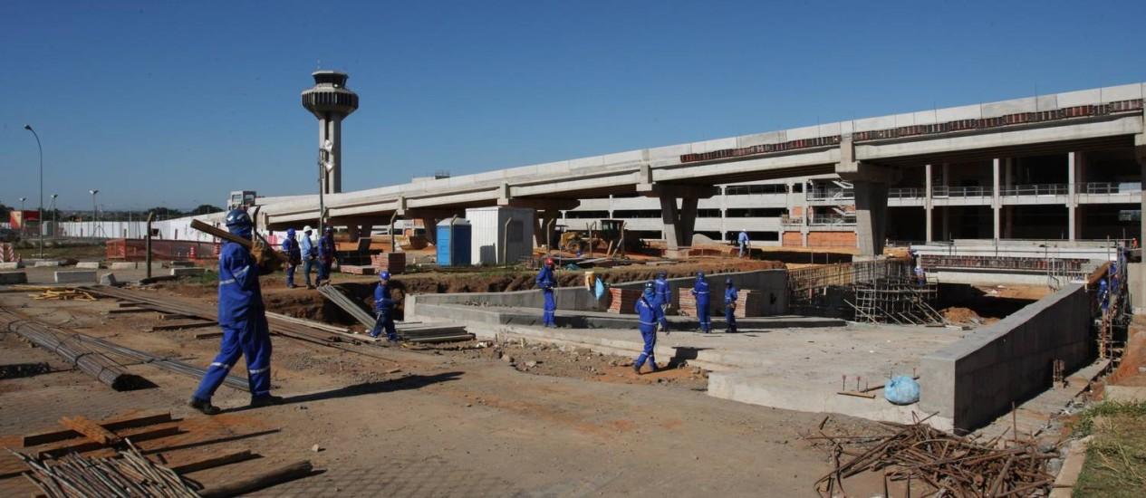 Obras do novo terminal de Viracopos deveriam estar concluídas no dia 11 de maio Foto: Michel Filho / Agência O Globo