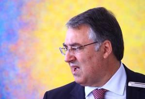 O governador de Santa Catarina, Raimundo Colombo Foto: André Coelho/ O Globo