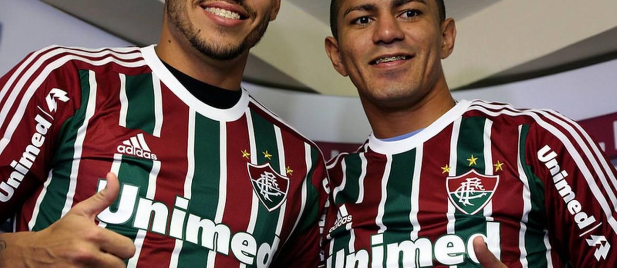 Fabrício, à esquerda, e Edson foram apresentados nesta quinta Foto: Divulgação / Fluminense