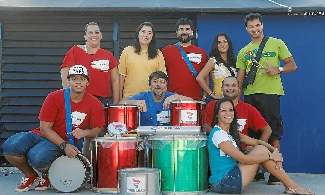 Alunos e instrutores no sobrado do Bom Sujeito, na Barrinha Foto: Felipe Hanower / Divulgação