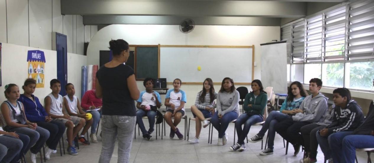 Visitas dos representantes da secretaria municipal de Educação já foram realizadas em três unidades de ensino Foto: Foto Divulgação