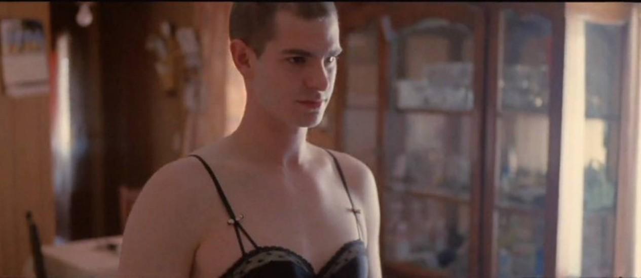 Andrew Garfield em clipe do Arcade Fire Foto: Reprodução