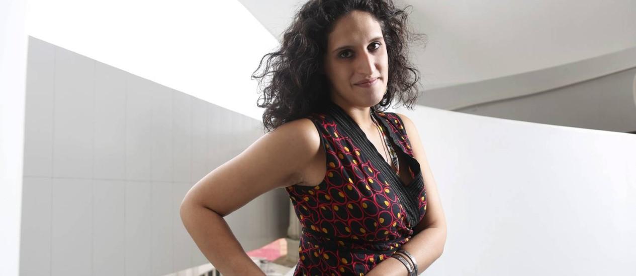 A pernambucana Clarissa Diniz, de 28 anos, se destaca como curadora-assistente do MAR Foto: Camilla Maia / Agência O Globo