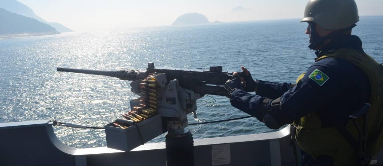 Militar durante treinamento feito pela Marinha em Copacabana / Foto: Divulgação / Marinha do Brasil