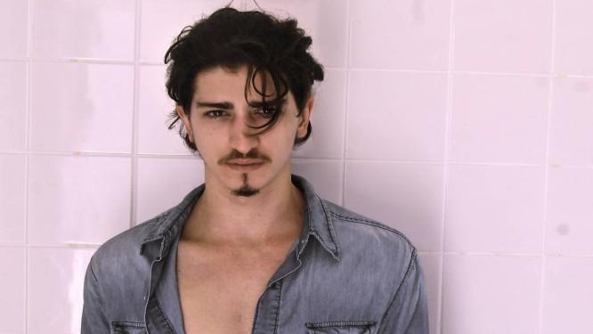 """Johnny Massaro é o Ferdinando de """"Meu pedacinho de chão Foto: Divulgação/Rael Barja"""