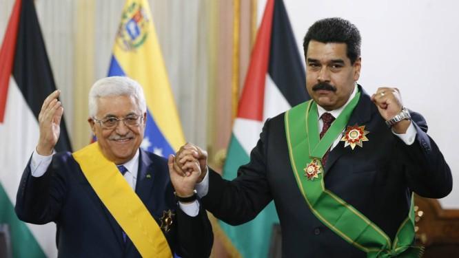 O venezuelano Nicolás Maduro e o palestino Mahmoud Abbas Foto: JORGE SILVA/REUTERS