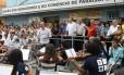Eduardo Campos assite apresentação de orquestra em Paraisopolis