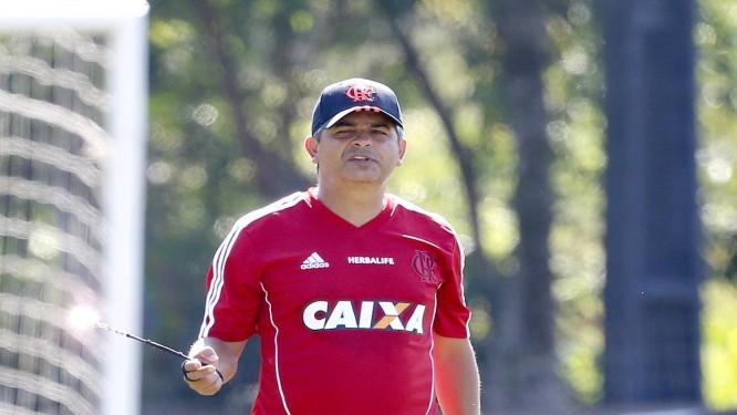 Ney Franco fará sua reestreia no comando do Flamengo neste domingo Foto: Ivo Gonzalez / O Globo