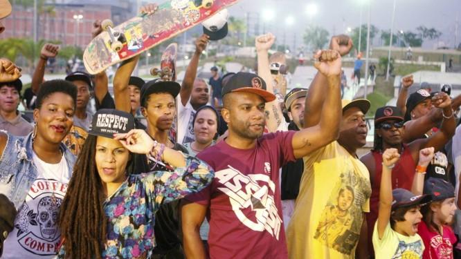 Participantes do movimento #eunãotiromeucap Foto: Gustavo Stephan
