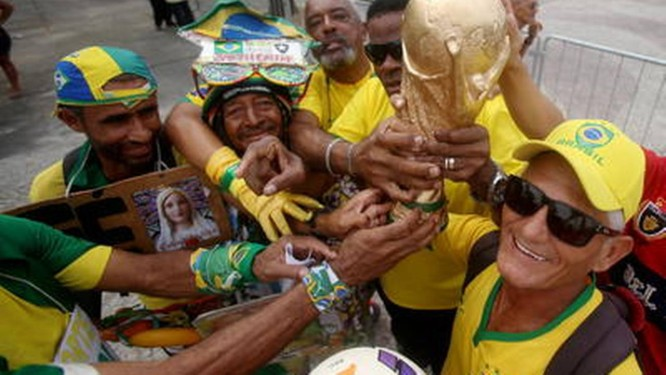 Economista aponta 66,7% de chances de o campeão sair entre Brasil, Argentina, Alemanha e Espanha Foto: Rafael Moraes/ Extra