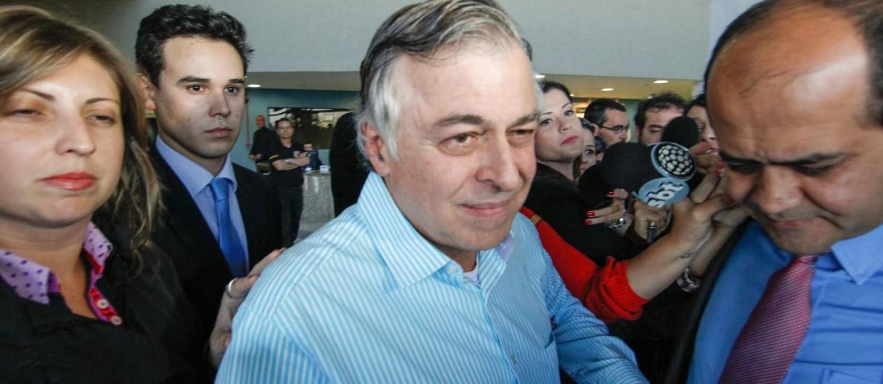 Ex-diretor da Petrobras, Paulo Roberto Costa, sai da prisão após decisão do ministro do STF Teori Zavascki Foto: Daniel Castellano / AGP