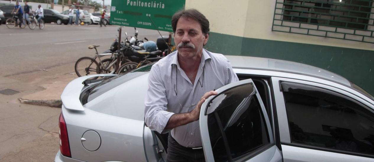 Ex-tesoureiro do PT, Delúbio Soares, deixa o trabalho no escritório da CUT Foto: Jorge William / O Globo 21/02/2014