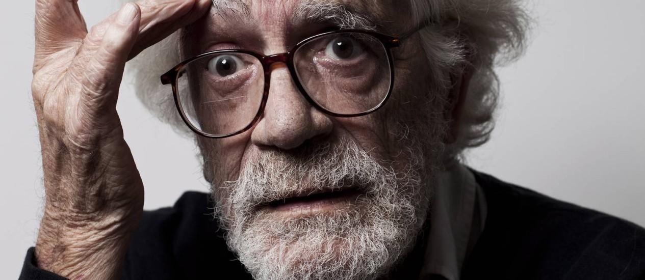 O diretor de cinema Eduardo Coutinho foi morto no dia 2 de fevereiro dentro do seu apartamento Foto: Guillermo Giansanti / Agência O Globo
