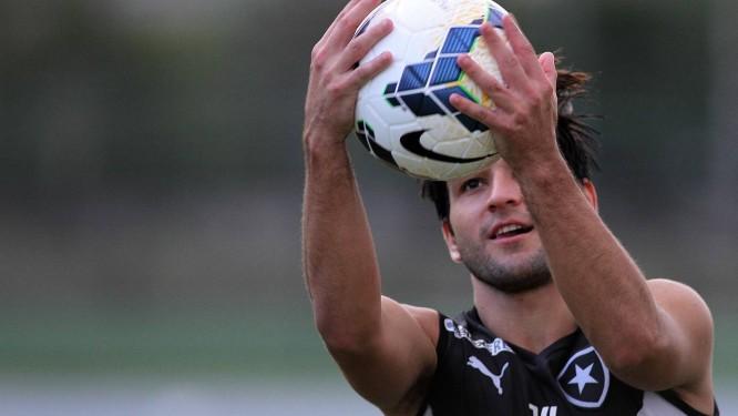 Lodeiro em treino do Botafogo: meia uruguaio vai para o Corinthians Foto: Divulgação / Botafogo